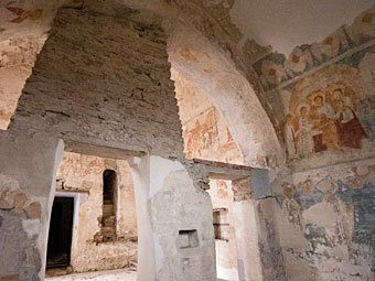 In Poland, discovered frescoes of the XV century - user art painting gallery фото
