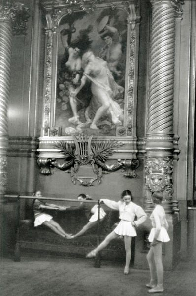 Young ballerinas in the Opera